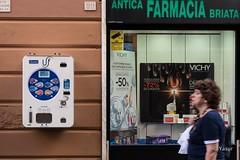 Self-service for safe sex (Yasur.sur.Flickr) Tags: gnes genoa genova farmacia pharmacie condom safesex durex capote briata distributrice vendingmachine italie italy ligurie liguria europe d750 nikon