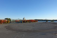 Quai Jacques-Cartier @ Old Port @ Ville-Marie @ Montreal (*_*) Tags: montreal mtl canada quebec northamerica 2016 autumn fall october city sunny morning villemarie automne vieuxport oldport port pier quai jacquescartier