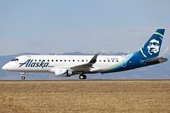 N182SY KDEN (cospotter) Tags: skywest alaskaairlines iflyalaska embraer e175 n182sy kden