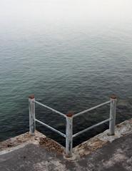 Geländer. (universaldilletant) Tags: sanvicentedelabarquera geländer wasser hafen