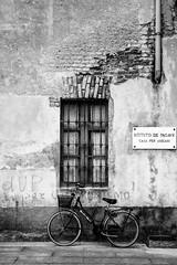 Rest home (Luigi Azzarone) Tags: nikond7100 nikkorafsdx1685mmf3556gedvr novara casadiriposo sanmartino bicicletta bicycle
