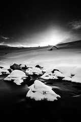 Snowy Mountains (Rob Walwyn) Tags: mountains art lens skiing cross snowy f14 country sigma australia series 24mm guthega illawong