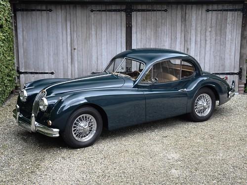 Jaguar XK140 SE FHC (1956).