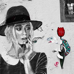 Montmartre Street Art (indii.org / Lawrence Murray) Tags: streetart paris france girl hat rose redrose montmartre surprised tintii