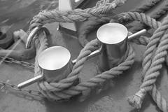 Amarre (salvador cuenca navas) Tags: puerto cuerda barco nudo amarre atraque hamburgo10913b