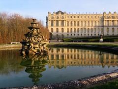 Winter walk in the park of Versailles castle (Sokleine) Tags: park sculpture france reflection castle pond versailles fontaine iledefrance chteau parc reflets bassin yvelines chateaudeversailles frenchheritage