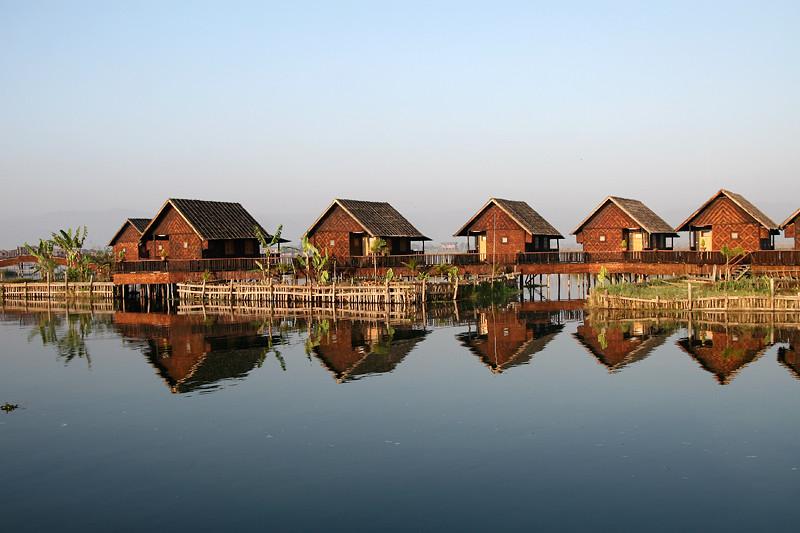 Căn nhà nổi trên hồ Inle