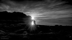 BW_Lofoten (Lothar Heller) Tags: norge norway norwegen lofoten schwarzweiss blackandwhite blanconegro monocrome beach sunset sonnenuntergang mitternachtssonne midnightsun