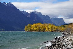 St Mary Lake (krchr99) Tags: glaciernationalpark stmarylake windy autumn fall colors fallcolors autumnleaves autumncolors