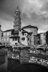 Cathedral of Saint Domnius, Split, Croatia (pas le matin) Tags: blackandwhite monochrome outdoor nb bw travel croatia voyage europe europa hrvastka croatie world city cityscape ville architecture cathedral cathedralofsaintdomnius saintdomnius split canon 7d canon7d canoneos7d