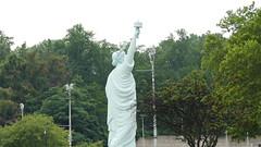 Rplique de la Statue de la Libert - Brooklyn Museum - Brooklyn - New York - tats-Unis (vanaspati1) Tags: rplique de la statue libert brooklyn museum new york tatsunis vanaspati1 ville town arbres tree