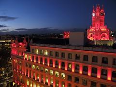 Madrid de rojo. Espaa (Ruben Juan) Tags: madrid noche horaazul canon powershot g12 espaa spain edificio arquitectura night blue torre tower paisaje view