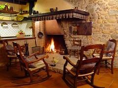 Chimenea (brujulea) Tags: brujulea casas rurales cellera ter gerona girona can jepet rooms chimenea