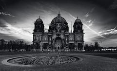 Berliner Dom (PhotoChris1) Tags: berlin lustgarten dom monochrom