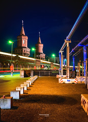 Oberbaumbrcke (Thomas Bechtle Fotografie) Tags: berlin city d800 langzeitbelichtung nachtaufnahmen nikon stadt cityscape oberbaumbruecke oberbaum bridge bluehour longexposure night shot