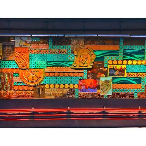 Bazen sadece renk görürsün, detayı sevmezsin. ~ You sometimes only see colours, do not go into particulars. ~ #istanbul #turkey #türkiye #marmaray #metro #subway #underground #renk #colour #green #blue #red #yellow #art #sanat #artist #sanatsal #tarih #hi