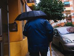 ... (J. Garcia2011) Tags: color callejera urbana urbano calle paraguas lluvia streetphotography street g11 valencia comunidadvalenciana