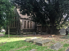 St Mary- Reading (alessio_laplaca) Tags: uk summer england colour green london church monument contrast reading one shot scene londra iphone