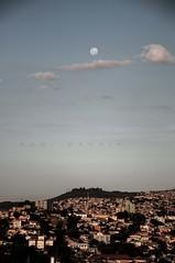 Em algum canto de BH... (Centim) Tags: cidade minasgerais brasil br capital paisagem cu astro mg lua urbana belohorizonte bairro bh estado amricadosul satlite pas sudeste continentesulamericano