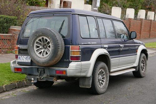 1994 Mitsubishi Pajero (NJ) GLS wagon
