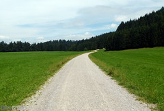 Bauer in der Au (TIMRAAB227) Tags: nature germany landscape bayern deutschland bavaria natur oberbayern alemania landschaft tegernsee badwiessee bayerischealpen