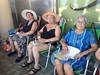 """Los mayores de la Residencia y Centro de Día """"Bertran i Oriola"""" se despiden de sus salidas a la playa"""