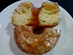 cronut from We The Minis in Oakland (Fuzzy Traveler) Tags: dessert donut pastry sweets croissant cronut wethemini