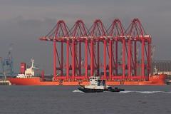 Zhen Hua 23 & Smit Waterloo (das boot 160) Tags: sea port docks river boats boat dock ship ships container maritime mersey docking berth l2 rivermersey merseyshipping zhenhua23 liverpooltwo peelports