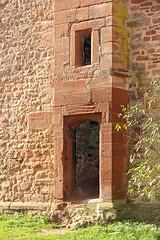 715_1469_Auto_Tiefen_USM_2-3 (tj232os) Tags: fenster ruine portal burg geschichte mittelalter wehranlage