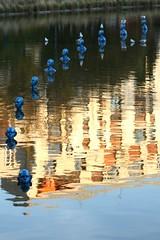 Art in Montsouris (lgh75) Tags: autumn paris reflection art automne reflet parcmontsouris wetreflection refleteau