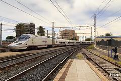 Euromed VLC-BCN (Escursso) Tags: station train canon tren eos railway estacion catalunya 130 trainspotting tarragona renfe talgo estacio adif euromed 60d