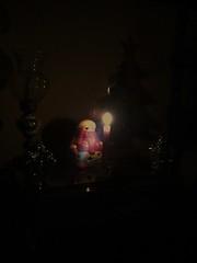 Bonne nuit. (Gilbert-Nol Sfeir Mont-Liban) Tags: christmas night dark weihnachten snowman advent adventszeit darkness nacht natale nuit notte obscurit buio jouets bonhommedeneige oscurit bibelots avent avvento pupazzodineve joujoux