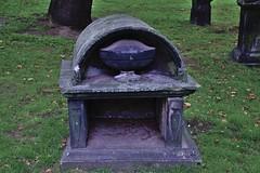 Grabmal 002 (michael.schoof) Tags: grabmal friedhof historischerfriedhof