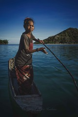 Paddling... (Syahrel Azha Hashim) Tags: horizon portrait seagypsies sony clearsky shallow holiday bodgayaisland malaysia ocean portraiture a7ii semporna sabah local sonya7 fishingvillage ilce7m2 35mm dof oneperson sunny 2016 traditionalclothing asia wooden kid humaninterest handheld standing colorimage vacation boat prime light bluesky naturallight paddling colorful sea beautiful travel syahrel simplelife details colors island getaway woodenboat simple detail