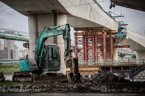 挖土機的驕傲,捷運三環三線。