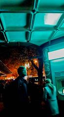 2016-11-03  J'irais ou tu iras (Maxxx) (Robert - Photo du Jour) Tags: novembre 2016 aufildutemps jiraisoutuiras maxxx rer rera mtro mtroparisien homme ratp vert bus