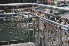 Undying Love/Pero's Bridge (klestaaaaaa) Tags: bristol england uk bridge locks love padlock padlockbridge undyinglove closeup film 35mm 35mmfilm analogue analog analogphotography analoguephotography nikonf65 nikon canal perosbridge