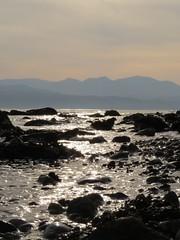 6361 Rocks, ripples and sparkles (Andy - Busyyyyyyyyy) Tags: 20161105 aaa aberlleiniog backlit bbb boulders menaistraits mmm ripples rocks rrr sss water wavelets www