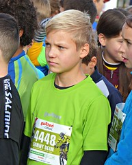 Sunny Dean (Cavabienmerci) Tags: switzerland suisse schweiz run running race runner laufen lauf lufer course  pied coureur coureurs athlete athletes jungen boy boys kids kid garons gurten classic gurtenclassic berne bern sport sports