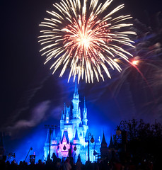 Cinderella's Castle - Magic Kingdom (fisherbray) Tags: fisherbray usa unitedstates florida orangecounty orlando baylake disney waltdisneyworld wdw disneyworld nikon d5000 magickingdom themepark mickeysverymerrychristmasparty chirstmas fireworks holidaywishes night