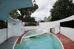 IMG_7024 (trevor.patt) Tags: uk london pool architecture concrete zoo penguin ramp modernist constructivist reinforced ovearup lubetkin tecton