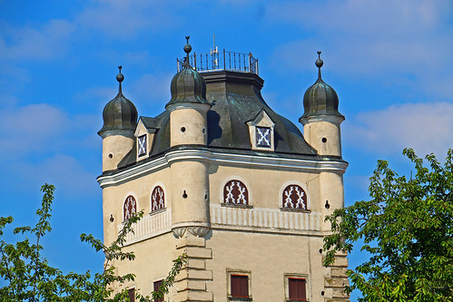 Greillenstein. Schlossturm mit 4 Ghibellinentürmchen