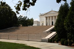 Tomb of the Unknowns and Memorial Amphitheater, Arlington National Cemetery (ktmqi) Tags: sculpture cemetery grave washingtondc tomb classical arlingtonnationalcemetery marble unknownsoldier carrreandhastings lorimerrich thomashudsonjones