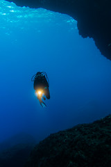 Gozo 2015-31 (micdiving) Tags: blue rocks hole diving cliffs diver mediterraneansea gozo felsen taucher tauchen mittelmeer