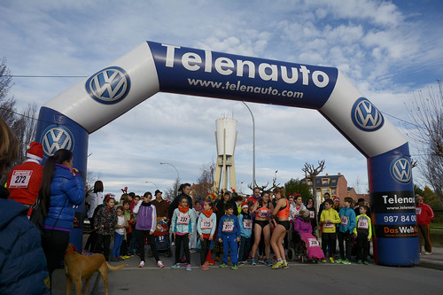"Carrera popular y premios San Silvestre 2015 La Virgen del Camino • <a style=""font-size:0.8em;"" href=""http://www.flickr.com/photos/66442093@N08/23915941882/"" target=""_blank"">View on Flickr</a>"