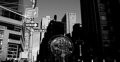 New York (Bilder von unterwegs) Tags: park newyork west sign architecture blackwhite cityscape manhattan central centralparkwest