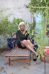 DSC_0012_pp (magda-liebe) Tags: crossdresser cuir outdoor leather french shoes travesti platform tgirl highheels skirt