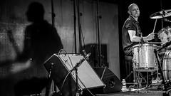Bowie Reloaded - Guest Live-2773 (Pierre Fauquemberg) Tags: bowiereloaded hommage tribute bowiefrance davidbowie groupe bande concert guestlive bondy live photographiedeconcert photographe pierrefauquemberg france blackandwhite blackandwhitephotography noiretblanc monochrome