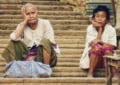 Old cambodian people 🇰🇭 (Audrey.Hell) Tags: parnter couple photography people asia asie streetphotography portraitvolé roadtrip temple cambodgien peopleofcambodia vieillepersonne oldpeople voyage travel cambodge cambodia