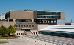 Milwaukee Art Museum (faasdant) Tags: milwaukee art museum wisconsin wi county war memorial building gallery1957 eero saarinen concrete cantilever